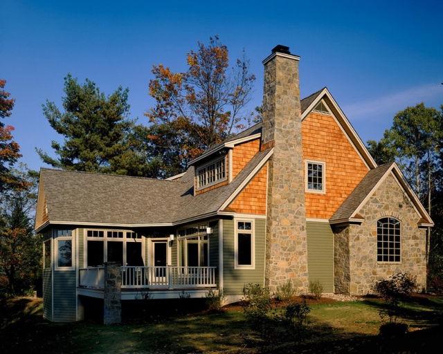 Дизайн фасада типичного дома в стиле кантри