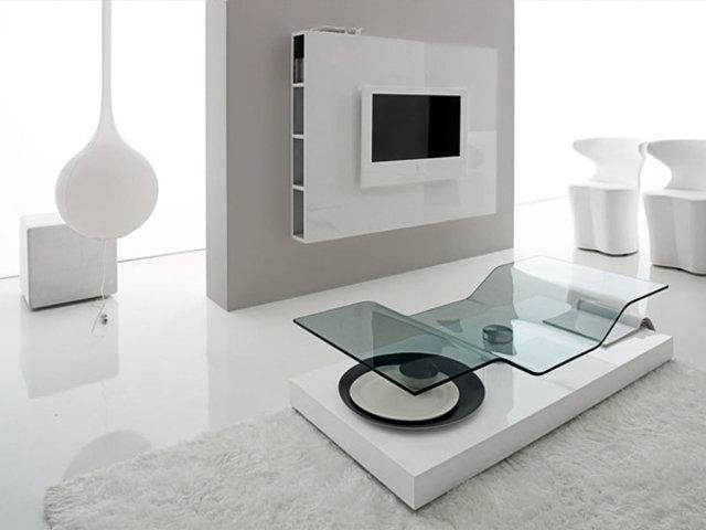 Стеклянный стол в интерьер хай-тек гостиной