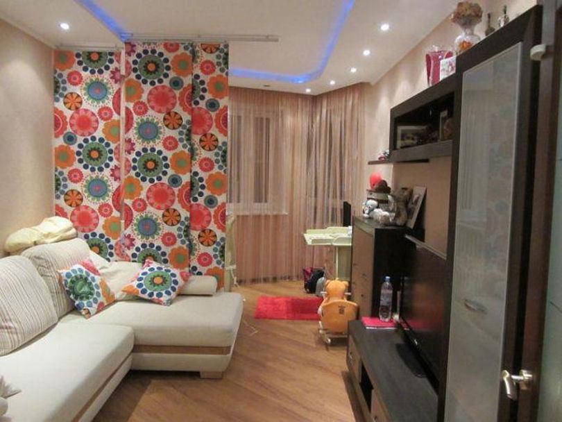 Пример выделения детской зоны в однокомнатной квартире перегородкой