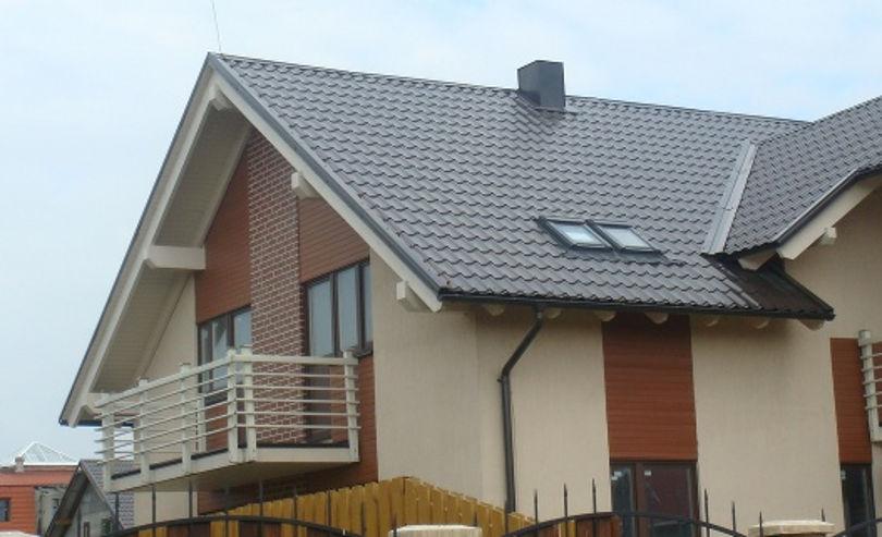 Серая металлочерепица на крыше