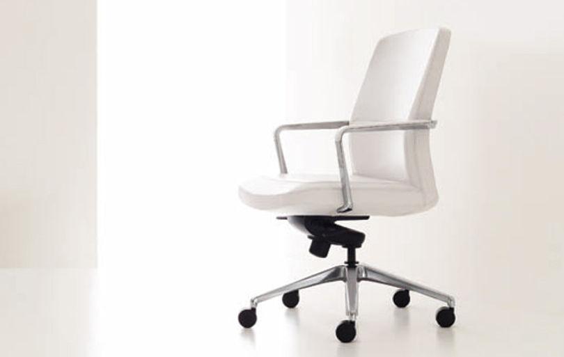 Офисное кресло Robus