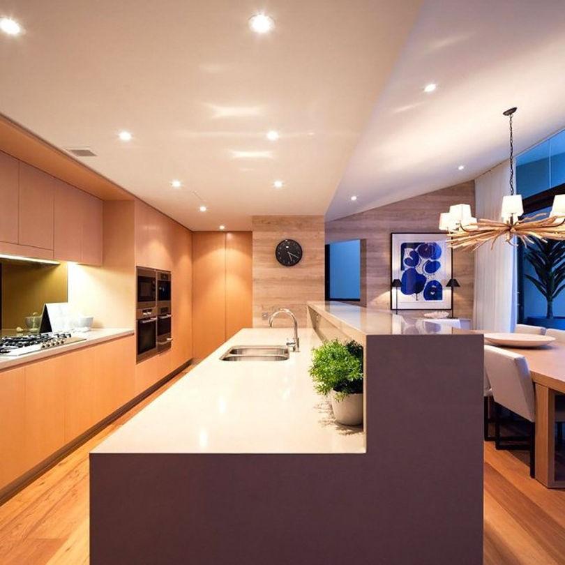 Кухня выполнена в духе минимализма