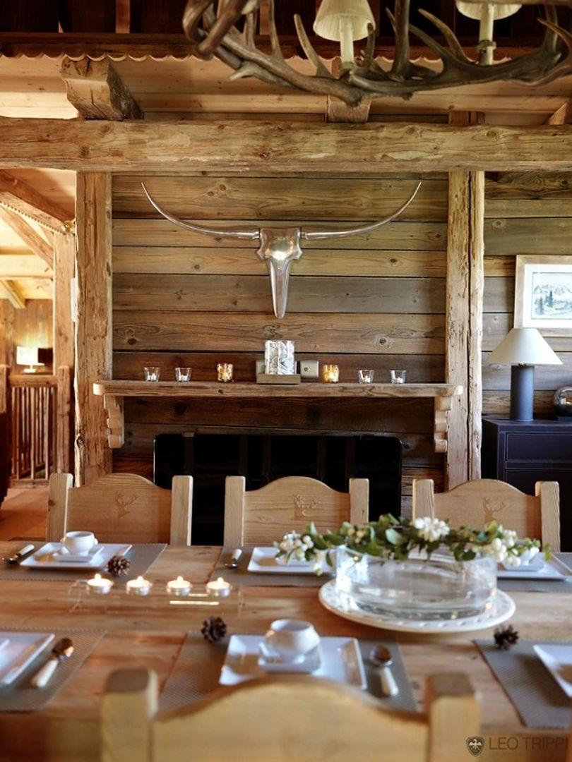 Дизайн столовой в стиле шале с камином