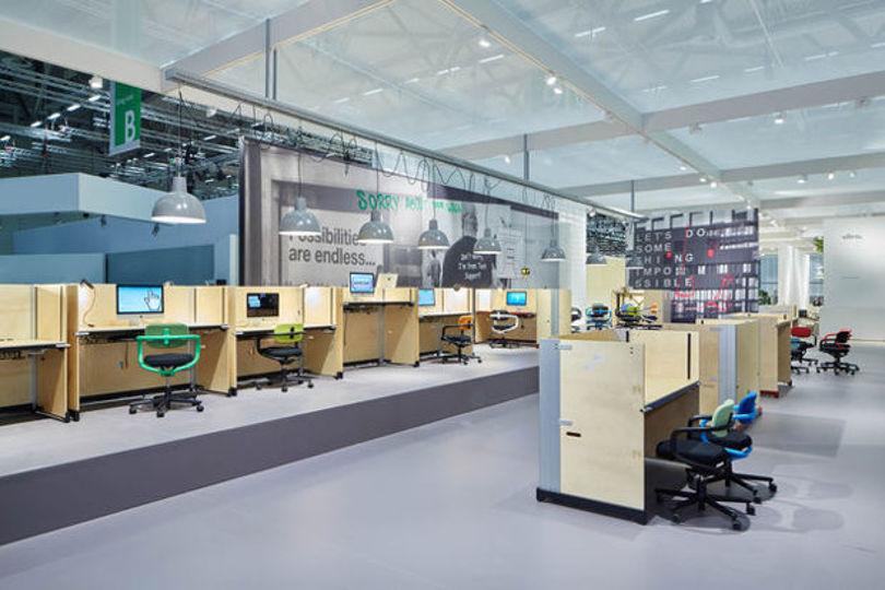 Коллекция офисной мебели Hack от компании Vitra