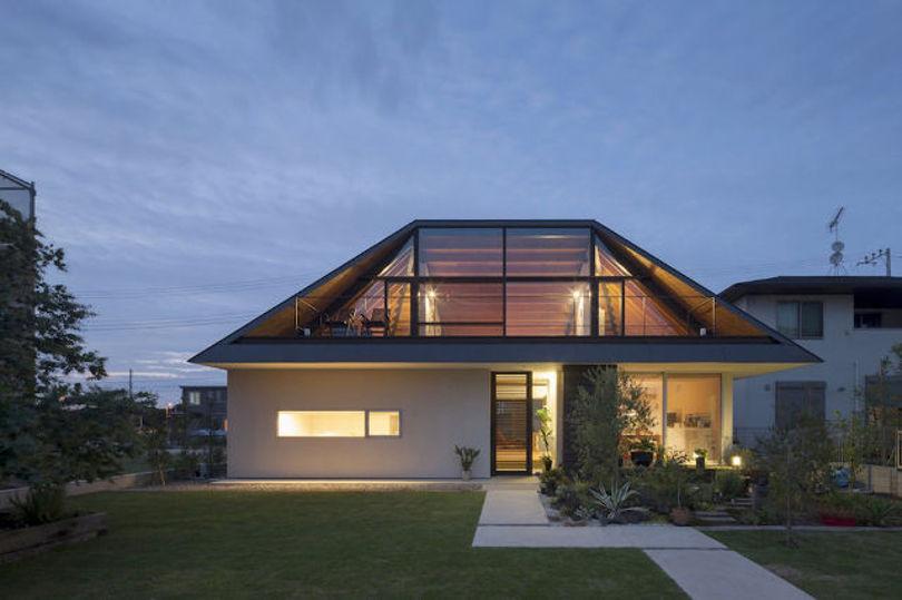 Оригинальный вариант четырехскатной крыши
