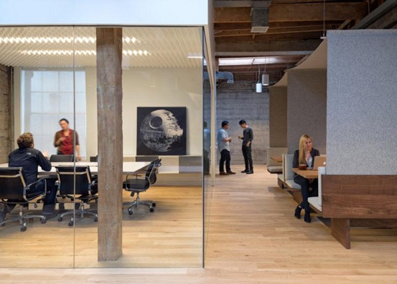 Дизайн офиса IT-компании Giant Pixel